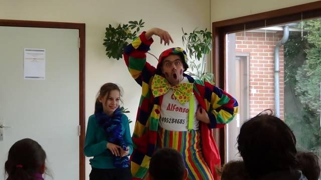 alfonso le clown domicile burlesque et comique pour une f te d 39 anniversaire conviviale. Black Bedroom Furniture Sets. Home Design Ideas
